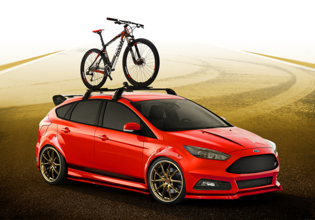 2015-Ford-Focus-ST-wide