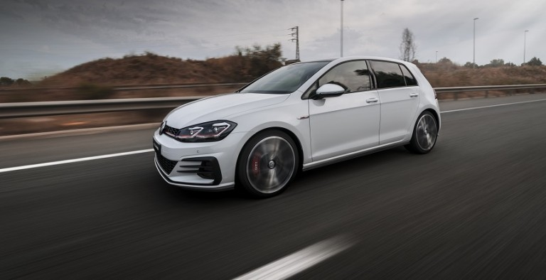 VW_GTI_MK7.5_Rodri Yufe_In motion 1_White 5 doors (feature)